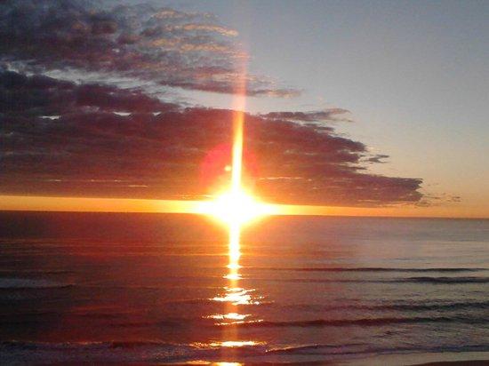 Pelican Sands Beach Resort : Sunrise from the balcony.