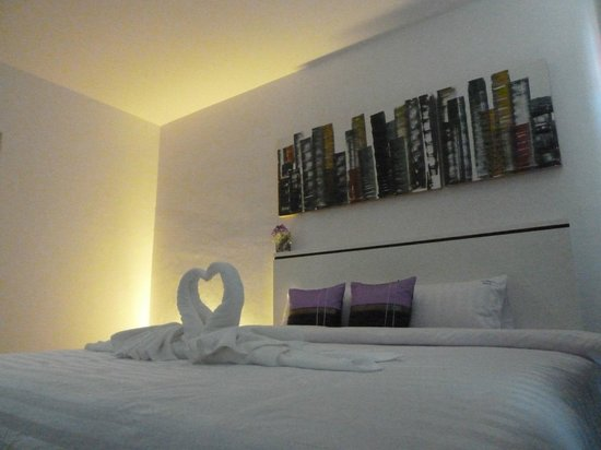 Modern Place: Room