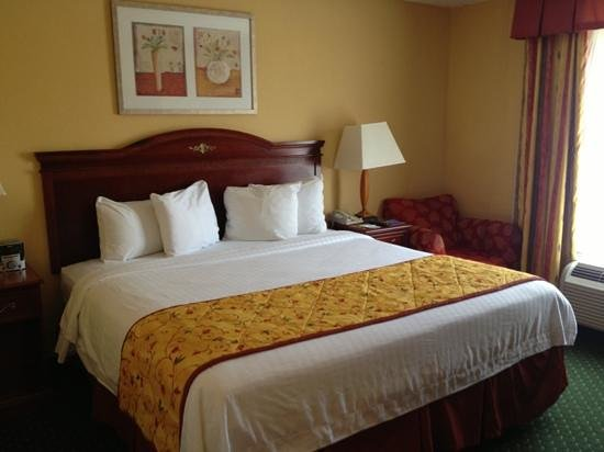 Fairfield Inn & Suites Waco North : queen