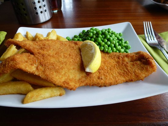 Albert Hotel : Breaded Haddock,peas and chips main course