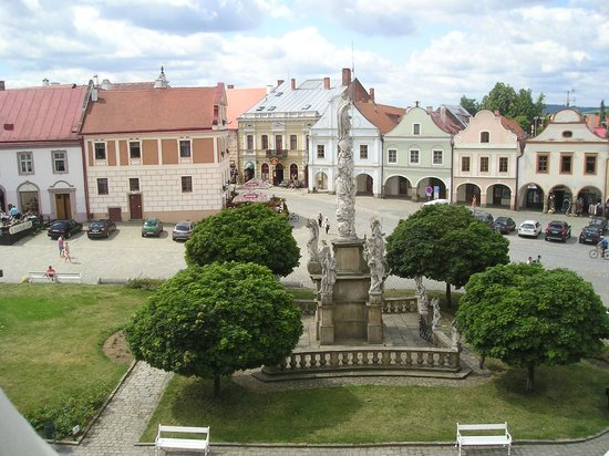 Pension Steidler: View to the square from apartment