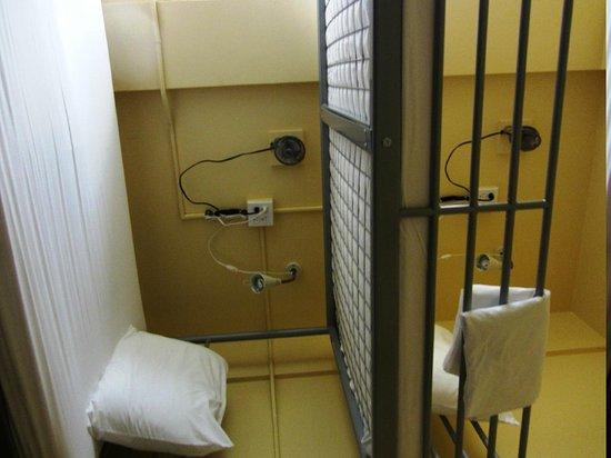 Letti A Castello Per Hotel.Letto A Castello Con Ventilatore E Luce Personale Picture Of