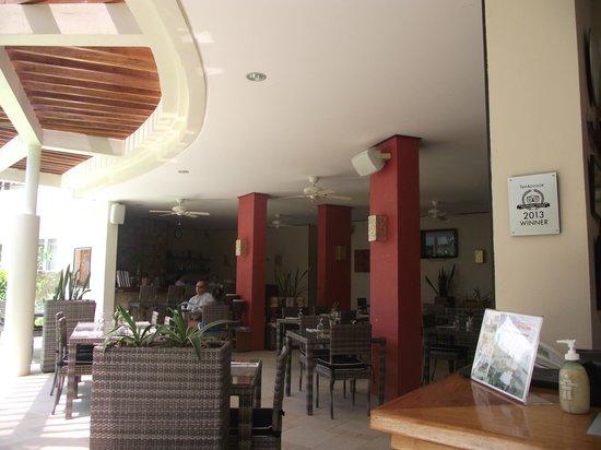 7th Note Cafe & Delicatessen : The restaurant
