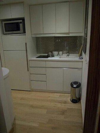 CHI Residences 279: kitchen