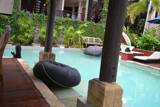 Hibiscus Resort & Spa : By the pool