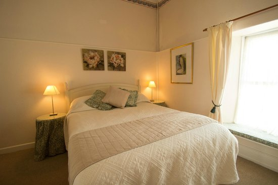 Glenleigh House Bed & Breakfast: One of our comfortable bedrooms at Glenleigh Marazion