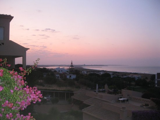 Buganvilia Apartments: Sunrise
