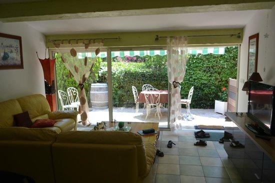 Verte Campagne : Salon et terrasse privée