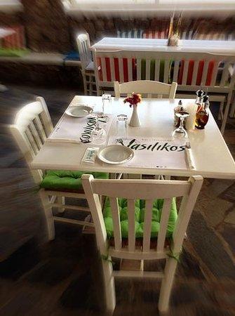 Vasilikos bar-restaurant: Προσθήκη λεζάντας