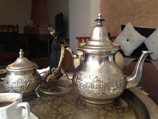 Riad Ida Ou Balou : Mint tea ceremony