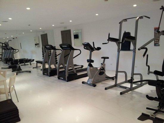 أنيمي هوتل: gym