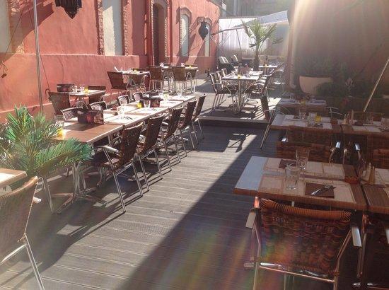 Chez Nous : La terrasse