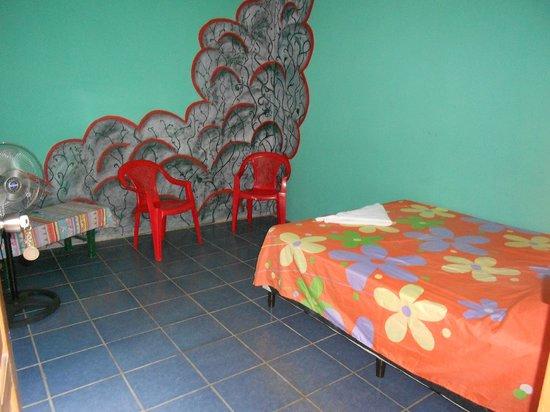Yogi's Hostel: One person room