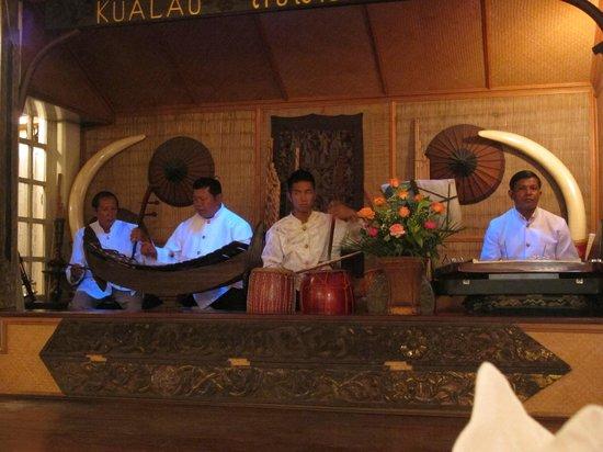 Kualao restaurant 07 2013