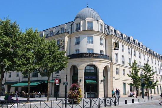 Serris, Frankrike: Facade