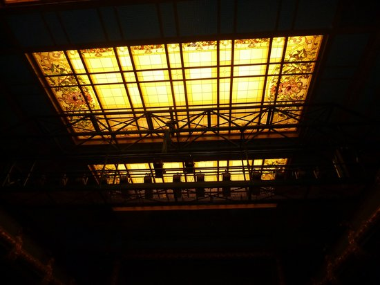 Vooruit Arts Centre: Glass roof of the theatre (you can go one floor higher to see it from above)