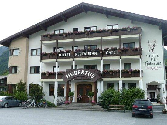 St. Hubertus: Front of hotel