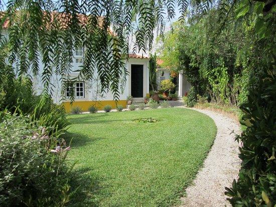 CASA DA TERRINA: another garden  view