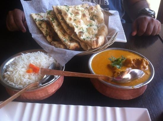 Mayur Kabob: chicken korma, rice, naan
