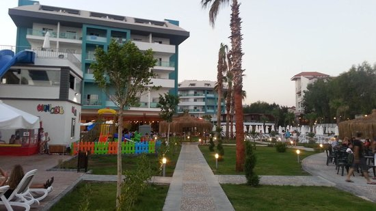 Seashell Resort & Spa: overview