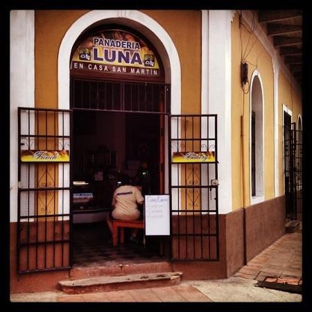 Panaderia Luna : La Calzada