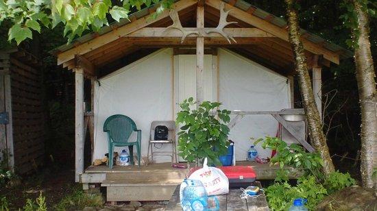 Au Diable Vert: Ausblick Prospector tent