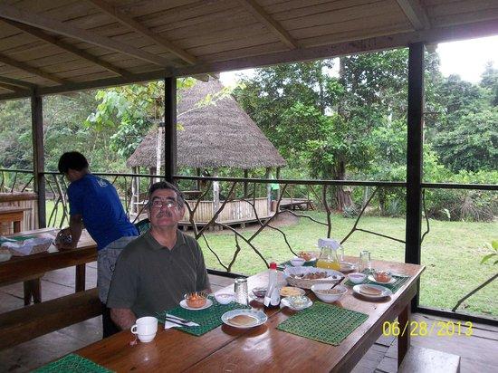 Shiripuno Amazon Lodge: Desayunando