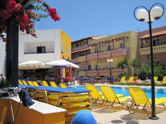 Aegean Sky Hotel & Suites: Aegean Sky 1 Pool area