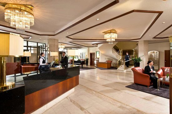 Maritim Hotel Bad Homburg: Lobby