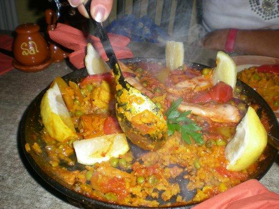 Las Tapas: Paella