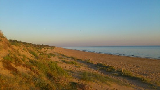 Camping La Forêt : The Beach - a few minutes away