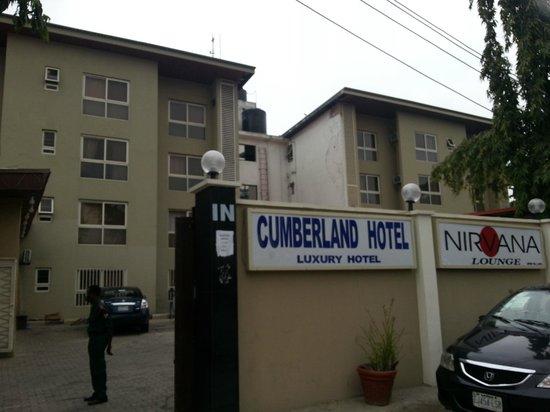 Cumberland Hotel: Entrance