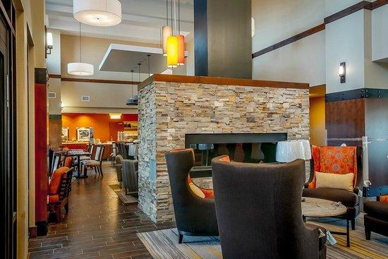 Hampton Inn & Suites Boulder - North : Lobby