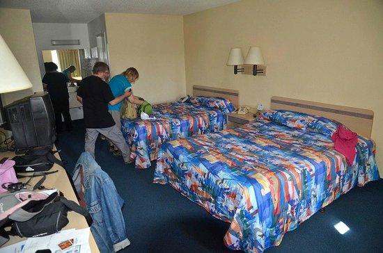 Motel 6 Kingman West: Chambre à 2 lits Queen