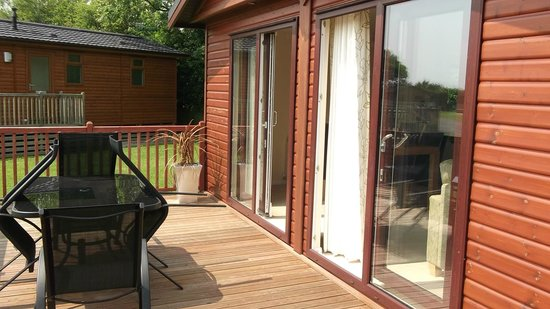 Ashbourne Heights Holiday Park: Front of the Lodge