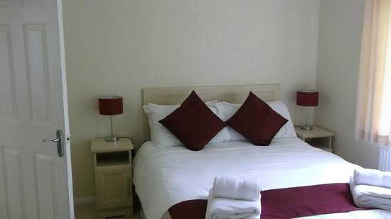 Ashbourne Heights Holiday Park: Main Bedroom