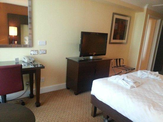 Hilton Birmingham Metropole Hotel: Bedroom