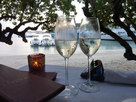 Waterfront Bistro: complimentary Prosecco for our Anniversary