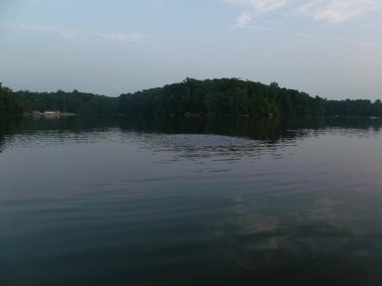 Gifford Pinchot State Park: canoeing on the lake