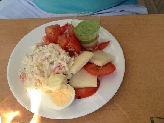 Campanile Chartres : tomate mozzarella sans gouts !! de vraies échalotes dans les tomates un délice