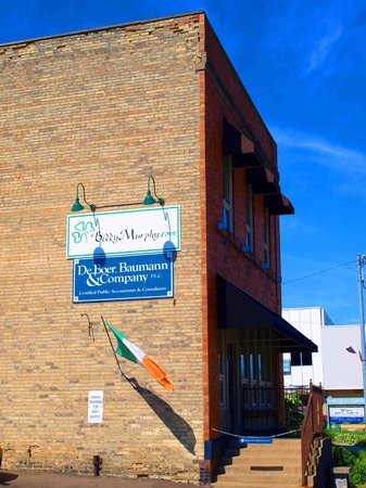 Biddy Murphy Celtic Goods: The signage over our Parking Lot - view coming from Highway