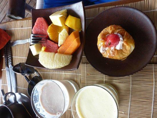 โรงแรมซิกซ์เซ้นส์เซสไฮด์อะเวย์นิญเวินเบย์: завтрак