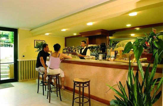 Hotel Village Marina: bar