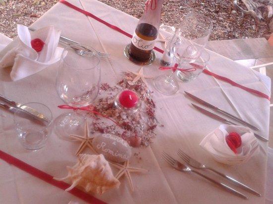 Agriturismo Bed&Breakfast Pedra de Mari: tavolo per anniversario
