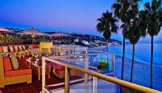 The Inn At Laguna Beach: Terrace at sunset