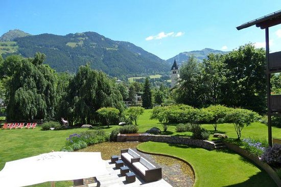Hotel Kitzhof Mountain Design Resort: View from the lobby