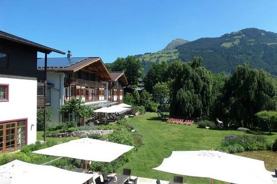 Hotel Kitzhof Mountain Design Resort: View from Lobby