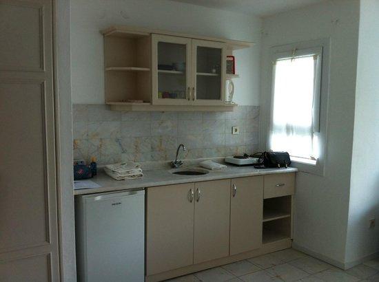 Serena Suites: Kitchen