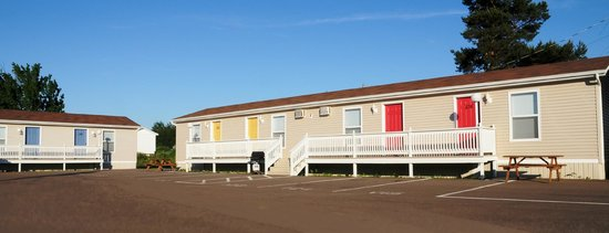 Gaudet Chalet & Motel Shediac: Our 1 bedroom suites with full kitchens