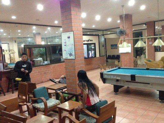 Cha-Ba Chalet Hotel: Cosy area